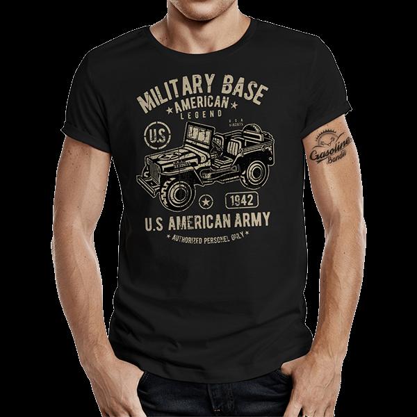 """T-Shirt """"Military Jeep"""" von Gasoline Bandit"""