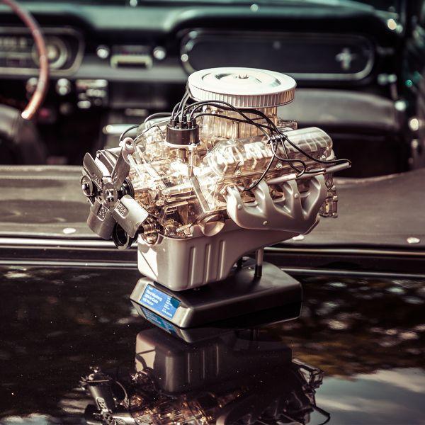"""Motor-Bausatz """"Ford Mustang V8-Motor"""""""