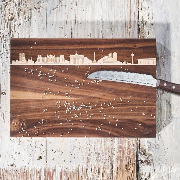 Holzschneidebrett mit Berliner-Skyline-Intarsie